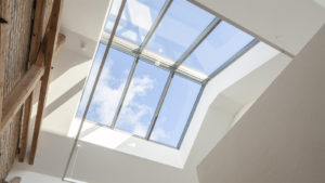 mansardnye-okna-osobennosti-gluhih-konstruktsij-65