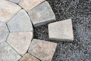 formy-dlya-izgotovleniya-trotuarnoj-plitki-svoimi-rukami-52