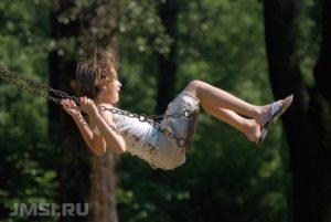 kacheli-iz-dereva-svoimi-rukami-foto-video-chertezhi-7