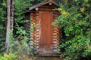 dachnyj-tualet-svoimi-rukami-32