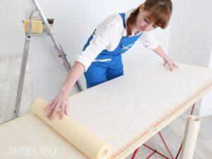 kak-pravilno-kleit-vinilovye-oboi-foto-video-instruktsiya-11