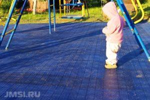 pokrytie-dlya-detskih-ploshhadok-foto-obzory-4
