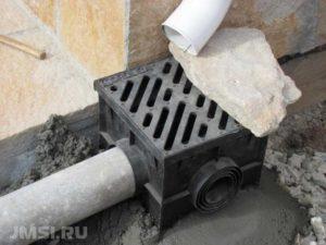 drenazhnyj-kolodets-plastikovyj-betonnyj-livnevaya-kanalizatsiya-kolodtsy-14