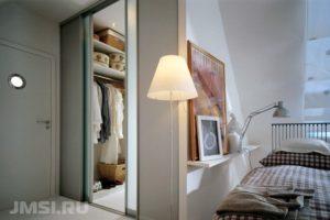 dveri-dlya-garderobnoj-razdvizhnye-dveri-dveri-kupe-foto-obzor-konstruktsij-10