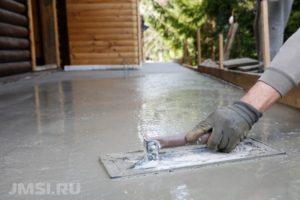 ukladka-trotuarnoj-plitki-na-betonnoe-osnovanie-foto-video-2