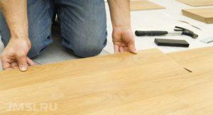 laminat-svoimi-rukami-na-derevyannyj-pol-video-instruktsiya-1