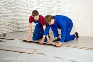 laminat-svoimi-rukami-na-derevyannyj-pol-video-instruktsiya-19
