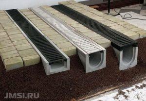livnevaya-kanalizatsiya-lotok-livnevyj-vodootvodnye-lotki-s-reshetkami-13