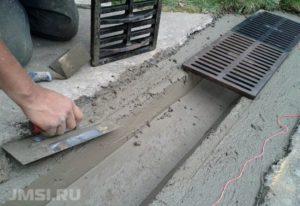 livnevaya-kanalizatsiya-lotok-livnevyj-vodootvodnye-lotki-s-reshetkami-19-1