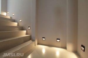 svetodiodnye-svetilniki-nakladnoj-svetilnik-vstroennye-svetilniki-3