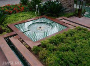 dekorativnyj-fontan-dlya-sada-56789