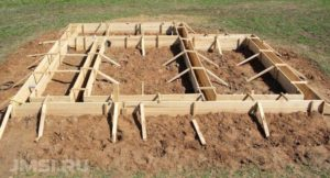 lentochnyj-fundament-opalubka-svoimi-rukami-foto-video-instruktsiya-8765432