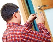 Как отремонтировать дверную коробку