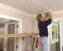 Как приготовить потолок к поклейке?