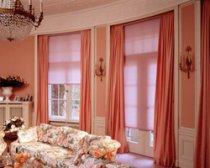 Можно ли сочетать текстильные шторы и жалюзи?