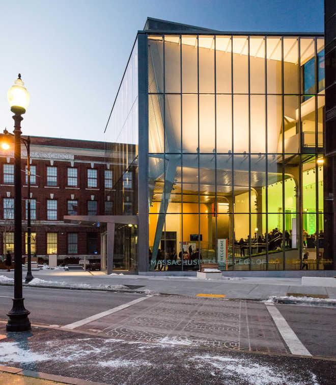 Ennead Architects превратили бостонскую гимназию 1930-х годов в центр дизайна и мультимедиа