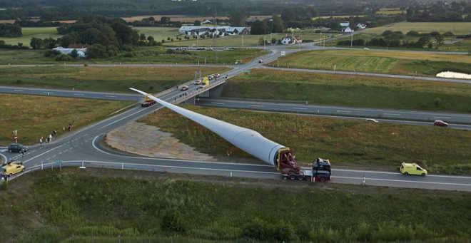 Vestas builds a multi-rotor wind turbine