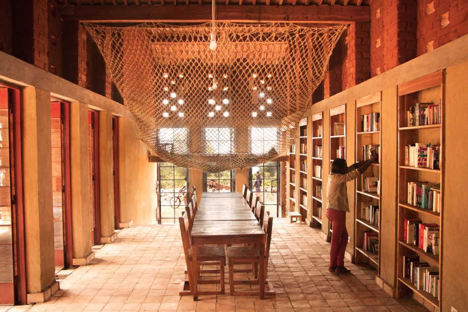 Новое здание – Библиотека города Муйинга, Бурунди