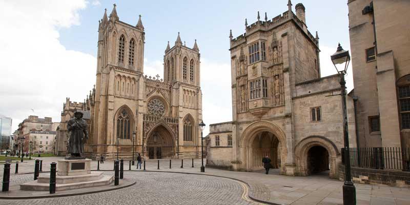На британском соборе, построенном более 1000 лет назад, установят солнечные панели