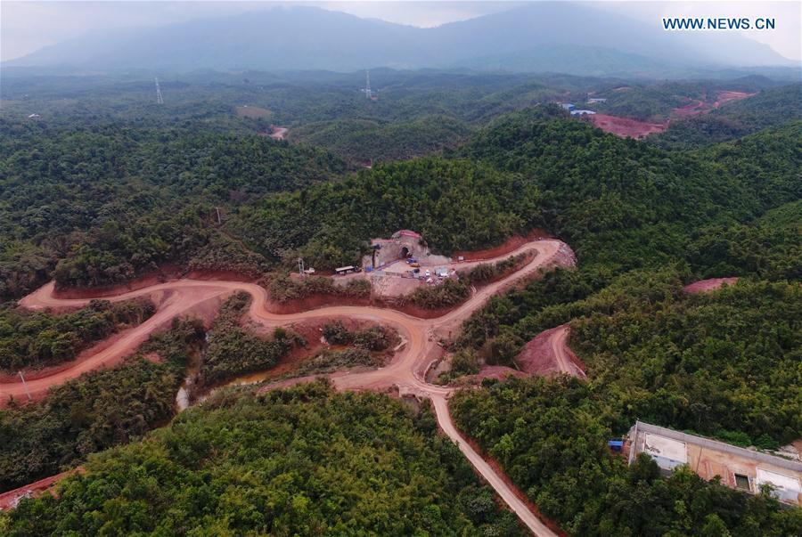 Пробурен первый тоннель на эпической железной дороге «Китай-Лаос»