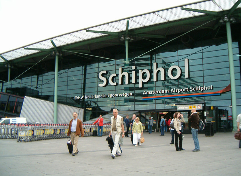 Schiphol airport expansion entrusted to Aecom