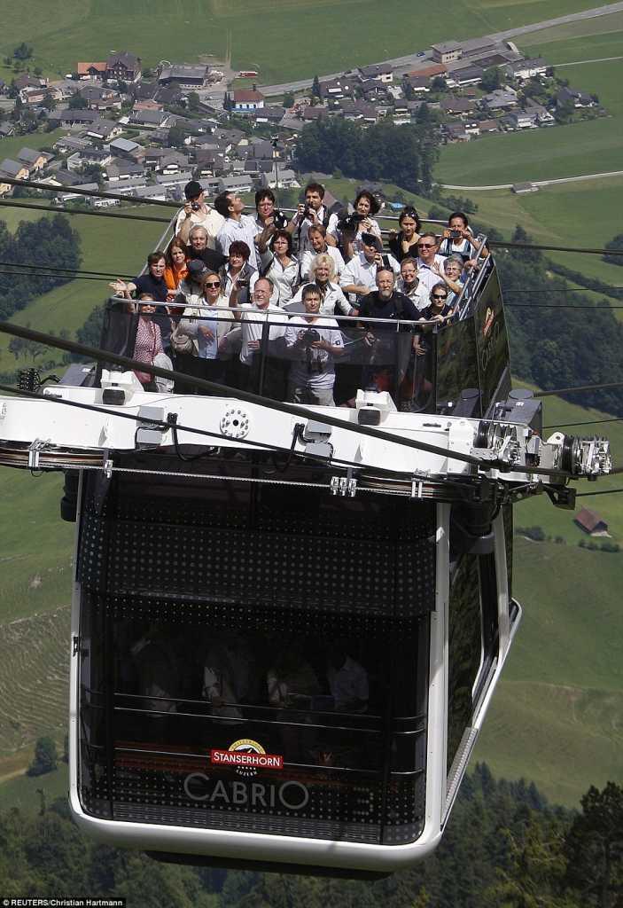 Самый крутой в мире фуникулер открыт в Швейцарии