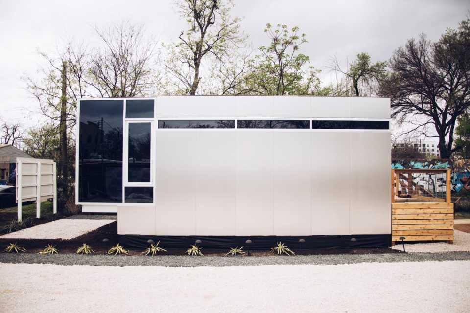 Техасский стартап запускает производство недорогих высокотехнологичных «умных» домов