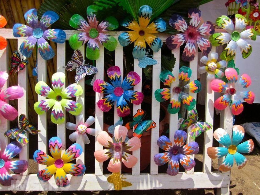 Делаем цветы из пластиковых бутылок своими руками
