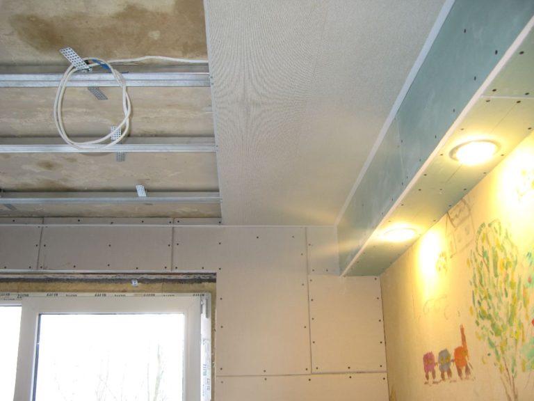 Как сделать своими руками потолок из панелей пвх