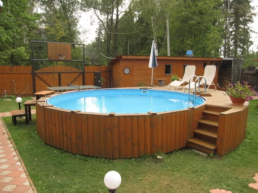 Украшаем ландшафтный дизайн бассейном