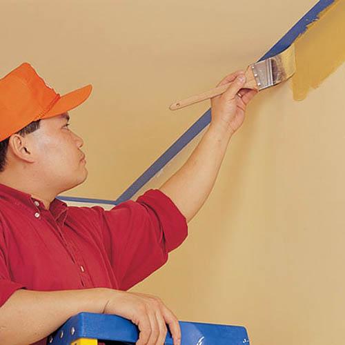 Зачищаем стену перед покраской
