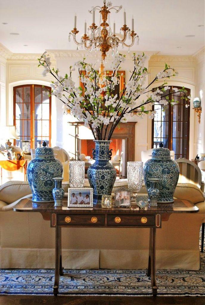 Привлекаем внимание – вазы в интерьере