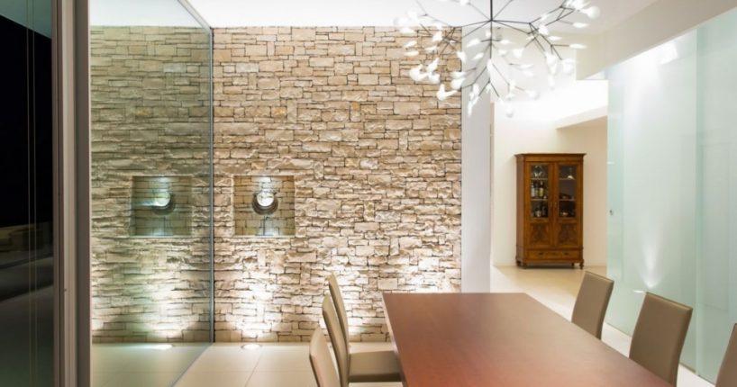 Дизайн интерьера - декоративный камень