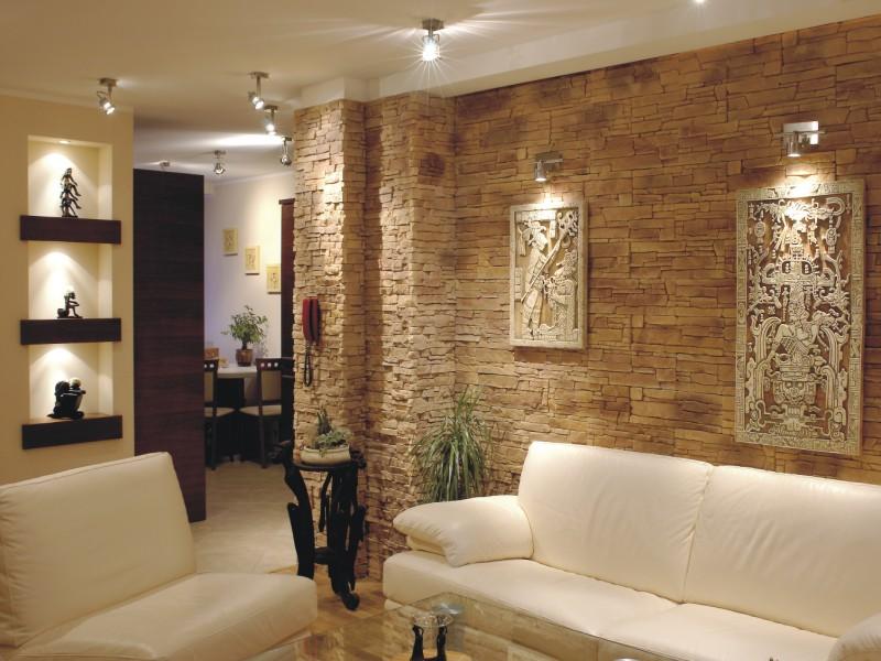Декоративный камень в интерьере квартир