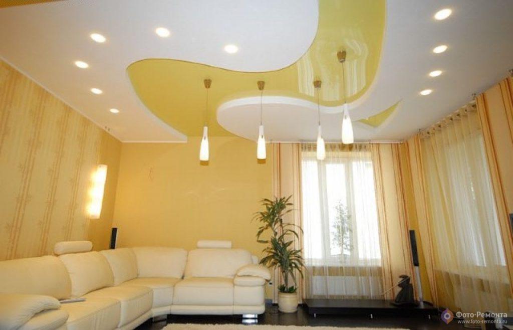 Как сделать одноуровневый потолок из гипсокартона в зале?