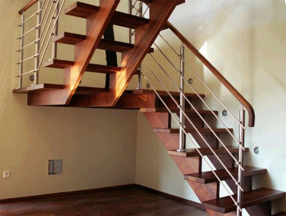 Как сделать лестницу с цокольного этажа в доме 298